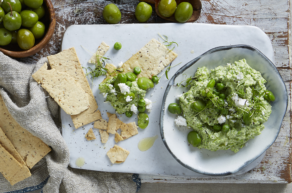 Broadbean Pea & Feta Dip with Rosemary Thins Cracked Pepper Thins Smaller